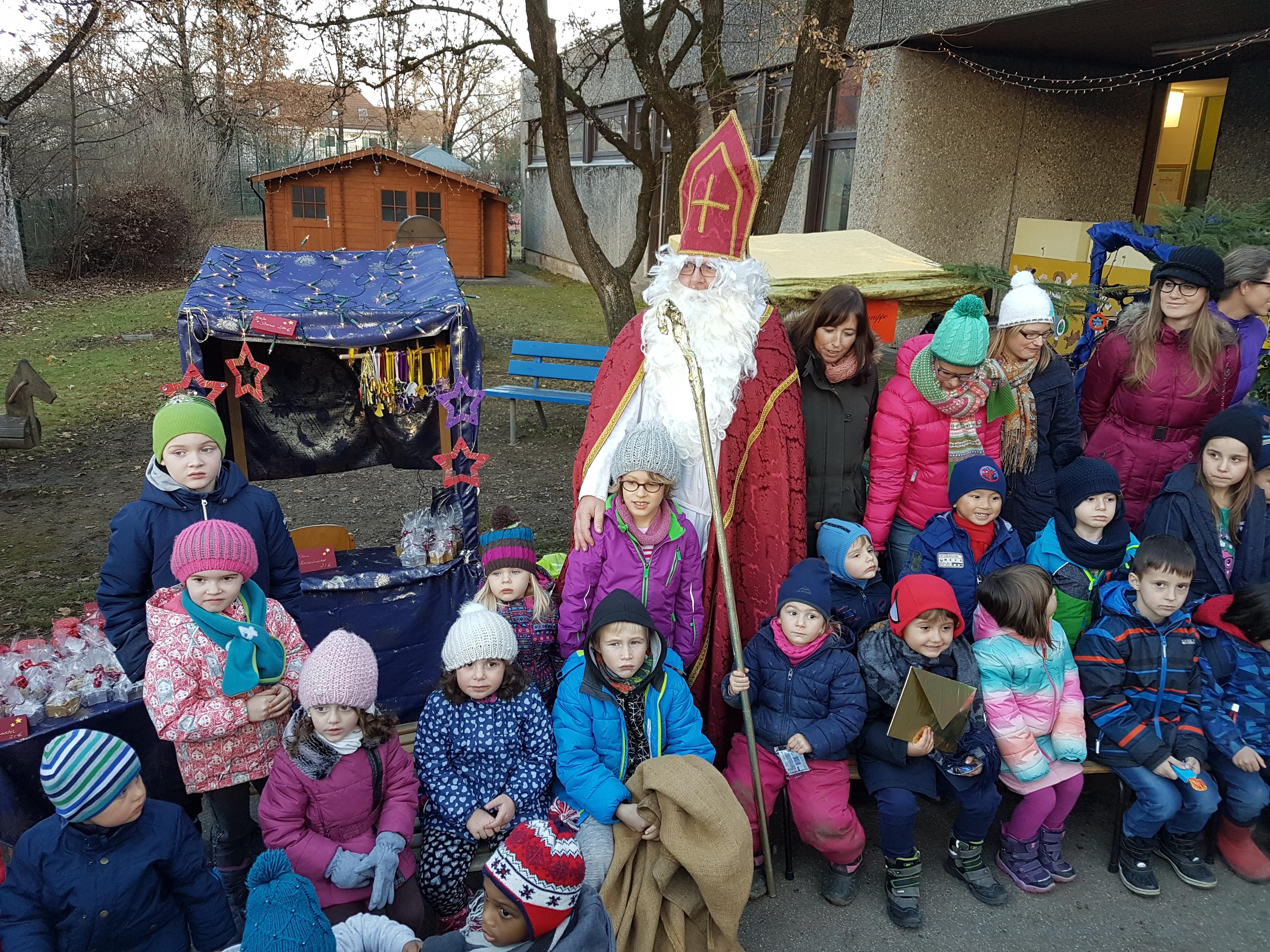 Weihnachtsbasteln und Nikolausbesuch